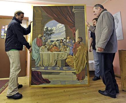Last Supper embroidery /www.radio.cz image