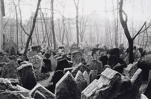 Prague cementry google image